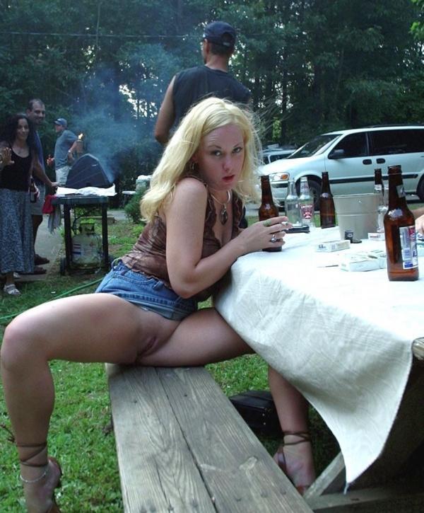 Pokazywanie cipki na grillu