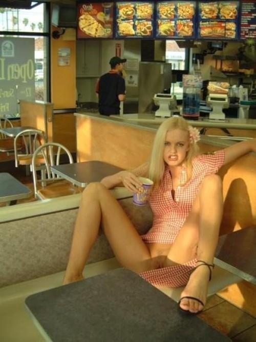 Obnażanie cipy w restauracji