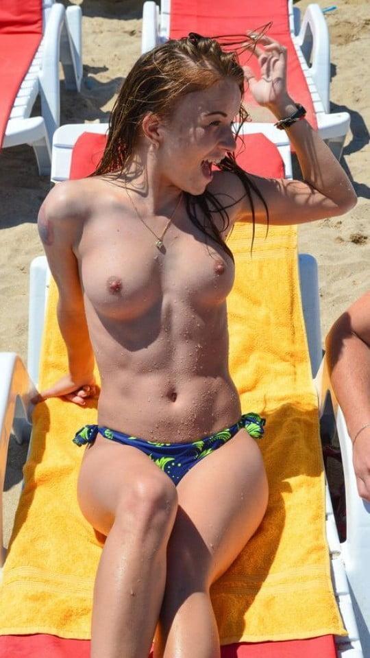 Na plaży nudystów